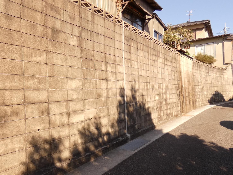 火災保険でフェンス(塀)も修理可能?!火災保険が適用される外構を紹介!