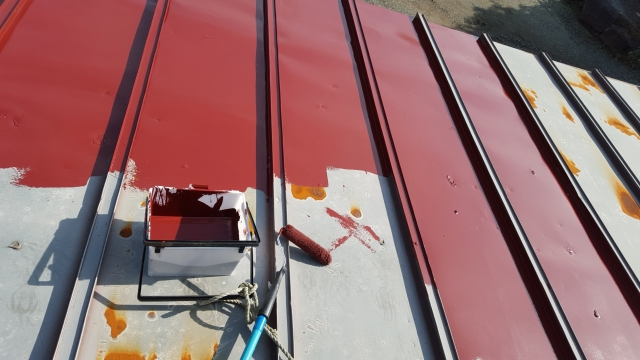 コロニアル屋根を塗装する費用はいくら?耐候性塗料にも注目サムネイル画像
